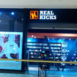 Real Kicks - Mall  Plaza Vespucio en Santiago