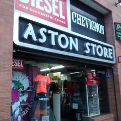 Astón Store New Port en Bogotá