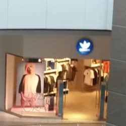 Adidas Originals - Costanera Center en Santiago