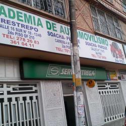 Academia de Automovilismo Claritza Larrarte Quijano en Bogotá
