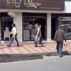 Panadería y Pastelería Real California en Bogotá