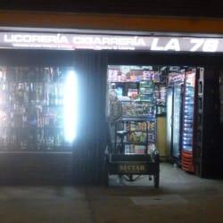 Licorería Cigarrería La 76 en Bogotá