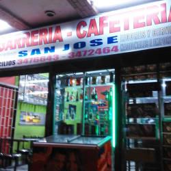 Cigarrería Cafetería San José en Bogotá