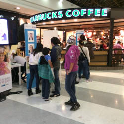 Starbucks Gran Estación en Bogotá