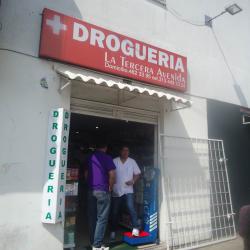 Droguería La Tercera Avenida en Bogotá