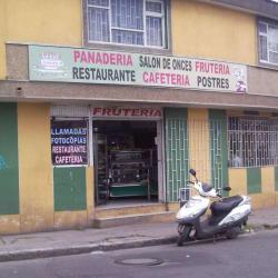 Frutería y Panadería en Bogotá