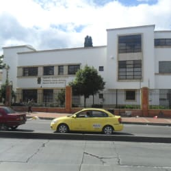 Centro Dermatológico Federico Lleras en Bogotá