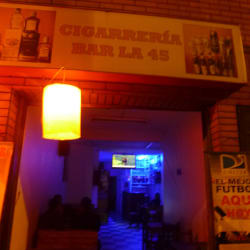 Cigarrería Bar La 45 en Bogotá