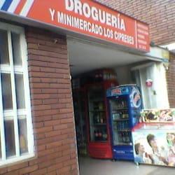Droguería y Minimercado Los Cipreses en Bogotá