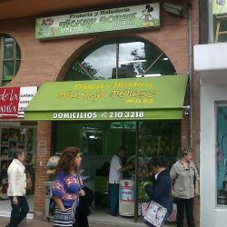 Frutería y Heladería Mickey Mouse de la 53 en Bogotá