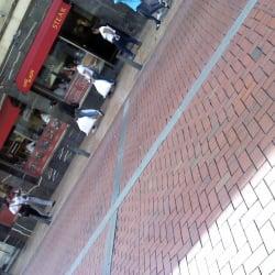 Toro Burger Calle 13 con Carrera 4 en Bogotá