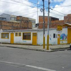 Biblioteca JAC Prado Veraniego  en Bogotá