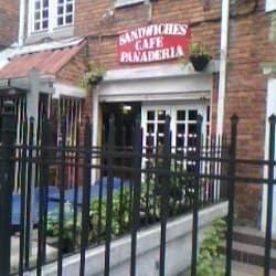 Sándwiches Café Panadería en Bogotá
