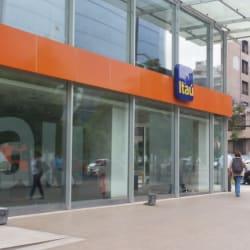 Banco Itaú El Golf en Santiago
