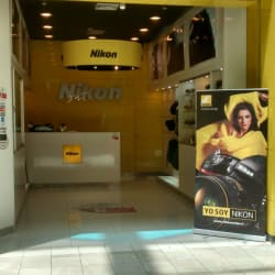 Nikon Center - Mall Plaza Vespucio en Santiago