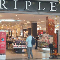 Ripley - Mall Plaza Vespucio en Santiago