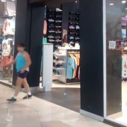Maui & Sons - Mall Plaza Alameda  en Santiago