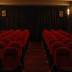 Cine Radical - Monjitas en Santiago