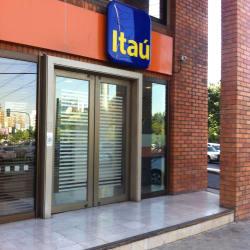 Banco itaú Avenida Apoquindo en Santiago