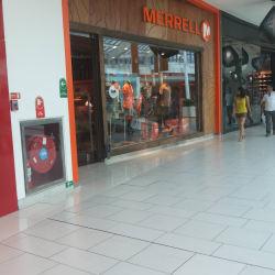 Merrell - Mall Plaza Vespucio en Santiago
