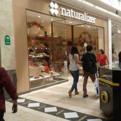 Naturalizer - Mall Plaza Vespucio en Santiago