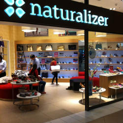 Naturalizer Costanera Center en Santiago