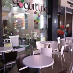 Yogurt Life - Portal La Dehesa en Santiago