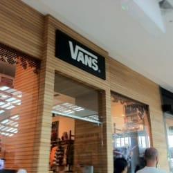 Vans - Mall Plaza Vespucio en Santiago