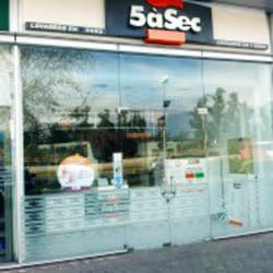 5àSec - Strip Center Santa María de Manquehue en Santiago