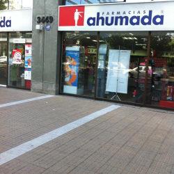 Farmacia Ahumada - Apoquindo / Enrique Foster  en Santiago