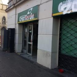 Farmacias Cruz Verde -  República / Toesca en Santiago
