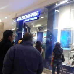 Skechers - Mall Plaza Vespucio en Santiago