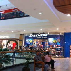 Skechers - Florida Center en Santiago