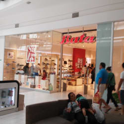 Bata - Mall Plaza Tobalaba en Santiago