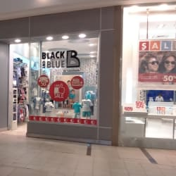 Black and Blue - Mall Plaza Sur  en Santiago