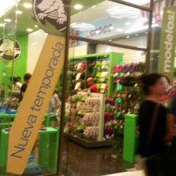 Crocs - Costanera Center en Santiago