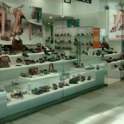 Bruno Rossi - Mall Plaza Alameda en Santiago