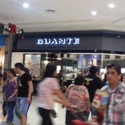 Guante - Florida Center  en Santiago