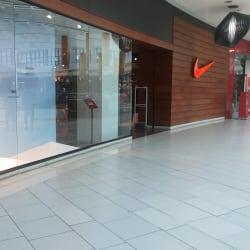 Nike - Mall Plaza Vespucio en Santiago