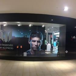 Adidas - Mall Plaza Egaña en Santiago