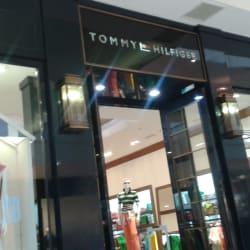 Tommy Hilfiger - Mall Plaza Egaña en Santiago