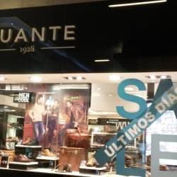 Guante - Costanera Center en Santiago