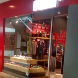 Puma - Florida Center  en Santiago