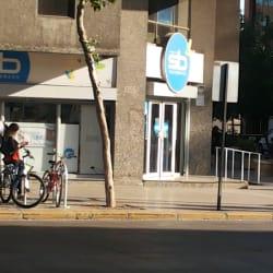 Farmacias Salcobrand - Metro Manuel Montt en Santiago