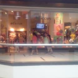 Ficcus - Mall Plaza Oeste en Santiago