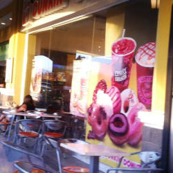 Dunkin' Donuts - Sánchez Fontecilla en Santiago