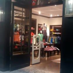 Tommy Hilfiger - Mall Alto Las Condes en Santiago