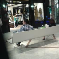 Tommy Hilfiger - Mall Parque Arauco en Santiago