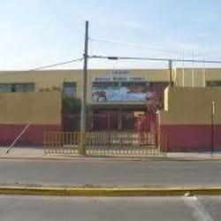 Escuela Hernan Merino Correa en Santiago