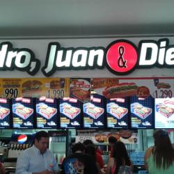 Pedro, Juan & Diego - Mall Del Centro en Santiago